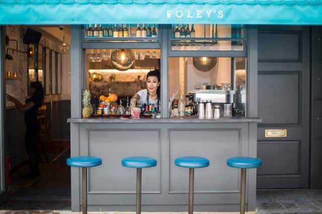 Like many other fantastic places to eat and drink across the capital, @foleysrestaurant will open its doors once again this weekend and they have our full support! . Applied Studio worked with Foley's on their restaurant in Fitzrovia, where we focussed on creating a stripped back but refined aesthetic. We put the bar in the shopfront, enabling customers to drink right out on the pavement and increasing the site's street presence... . #foleys #restaurant #restaurants #design #designcraft #restaurantdesign #hospitality #hospitalitydesign #hospitalityinteriors #interiordesign #interiordesigner #bespokedesign #bespokedecor #strippedback #foodanddrink #fitzrovia #londonrestaurants #postlockdown #streetfood #eatingoutside #architecture #architecturephotography #architects #architecture_hunter #creativeminds #designinspo #architectdesigned #appliedstudio