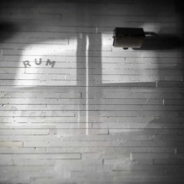 Sneak peak at our almost finished refurb. Think 60's glamour with a Caribbean beach shack vibe. Is that a thing? #notathing #rumkitchen #rum #reggae #shadows #60s #interiors #nottinghill #allsaintsroad